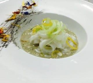 Zuppetta di Ostriche con crudo di Seppia, sedano croccante e zeste di limone